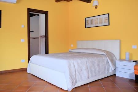 Corte Certosina Camera/Suite 2 - Trezzano sul Naviglio - Byt se službami (podobně jako v hotelu)