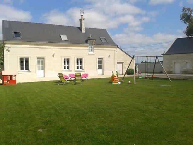 House for rent in Touraine 14 p *** - La Chapelle-sur-Loire - House
