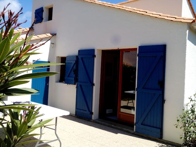 Villa 5p with tennis,piscine, 2 bicycles - Saint-Palais-sur-Mer - Casa