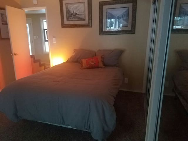 Cozy ski room 5 min to heavenly! - South Lake Tahoe - Appartement