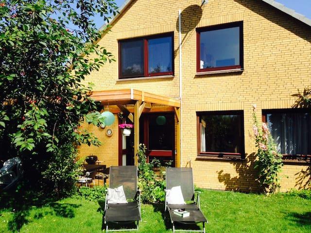 53qm FeWo, strandnah, Terrasse - Schwedeneck - Apartament