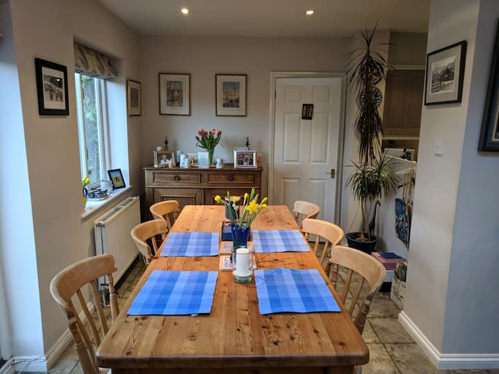 Ensuite double in quiet home in charming village