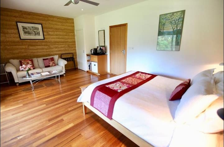 Cherry Suite @ The Orchard Luxury Accommodation