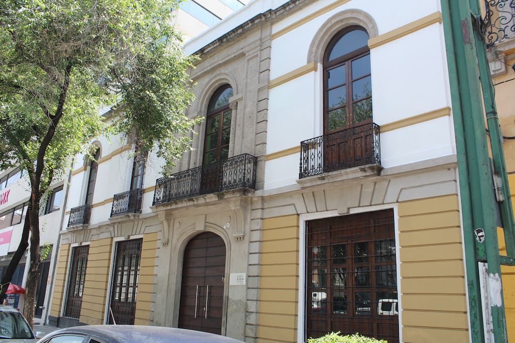 Enjoy the magic of a historic building from the late 18th century fused with a modern building.