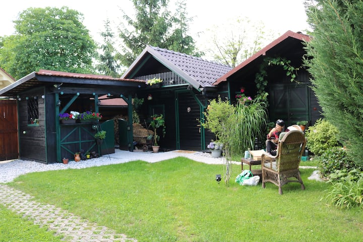 Frenk's cottage-country style-airport 4 km