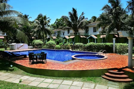 Family 3 Bedroom Villa with Pool & Breakfast
