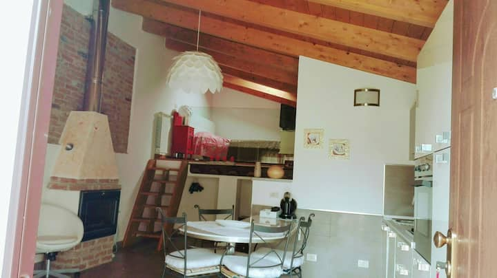 Mini appartamento indipendente con ampio giardino