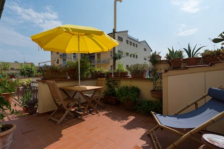 Apartment with terrace - Florence - Firenze