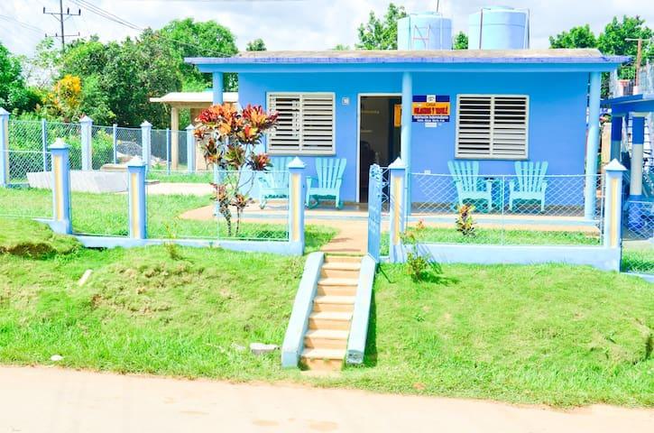 Casa Milagros y Yamilé - Viñales