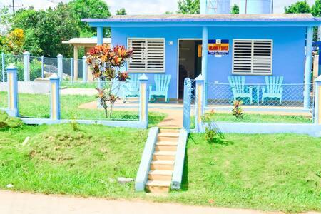 Casa Milagros y Yamilé - Viñales - Hus
