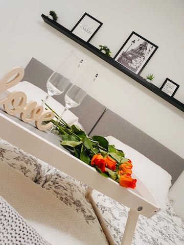 Schlafzimmer mit Sektempfang
