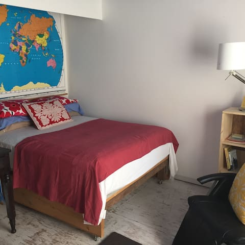 Private Room w/ FULL bed near PLU - Spanaway