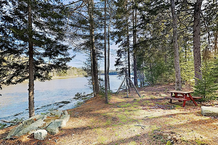 New Listing! The Chocolate Moose: Coveside Retreat