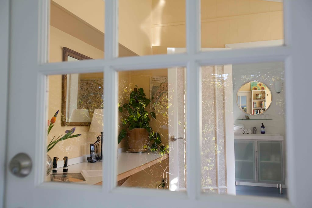 Welcome and start your idyllic stay through your private entrance.