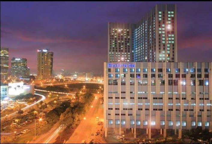Alabang Entrata Condo with a View!