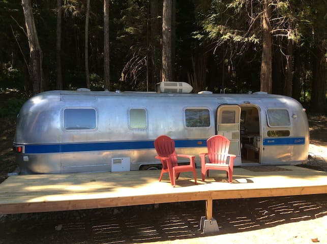 Oceanview Airstream Getaways & Creative Retreats