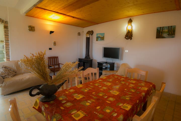 """Agriturismo """"Il Nibbio"""" - Resort"""