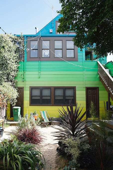 Hang out in the backyard. Wow, check out that nice paint job!