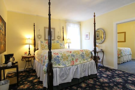 Vineyard View Sunny Hideaway Suite - St Helena - Bed & Breakfast