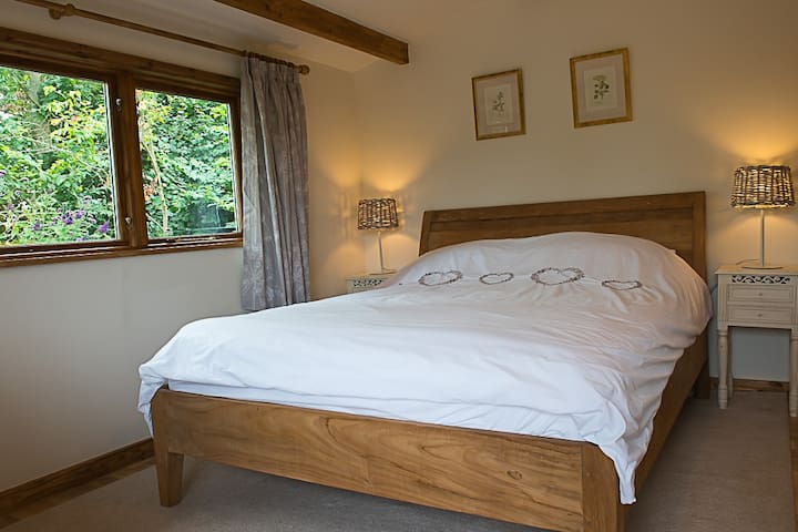 Quiet location, wonderful views. - Bulmer Tye, Sudbury - Bed & Breakfast