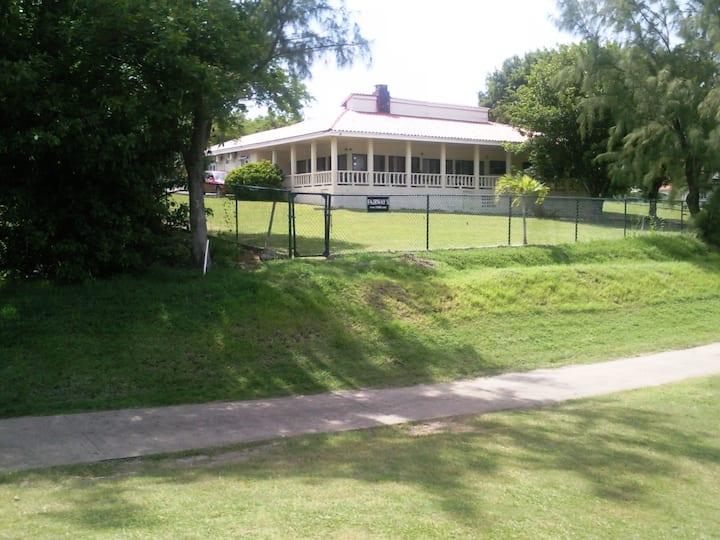 Fairways Villa - B&B on golf course