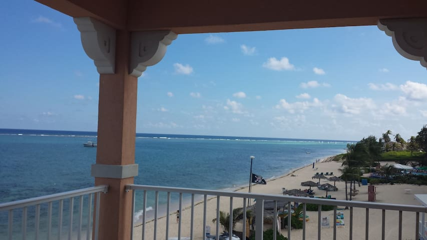 Caribbean Oceanview Apartment For 6 - Grand Cayman - Wohnung