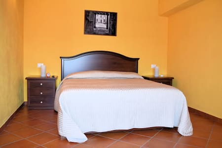 Corte Certosina Camera/Suite 11 - Bed & Breakfast