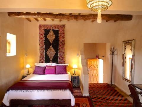 Triple room-Suite-Private Bathroom-Mountain View-ATLAS