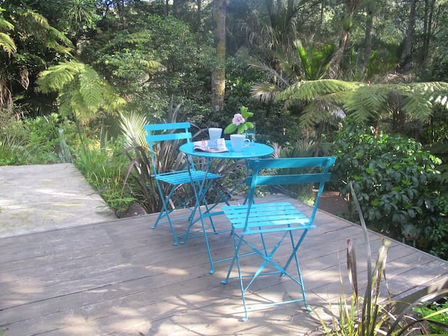 French Bay Bush Retreat - Auckland - Apartmen