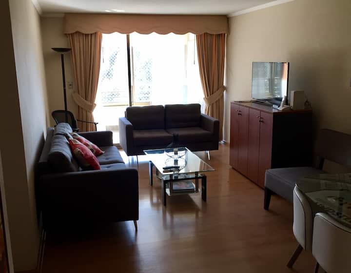 Comodo y amplio departamento en Av Las Condes
