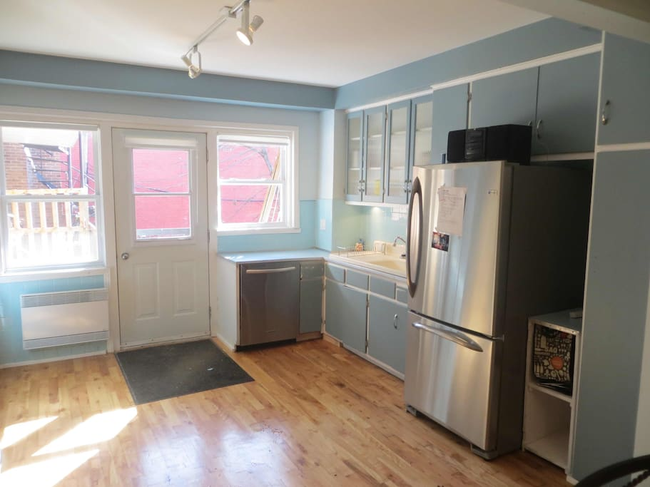 Belle colocation sur le plateau appartements louer for Chambre colocation montreal