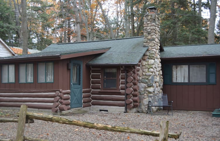 Spacious Log Cabin, Sleeping Bear National Lkshore
