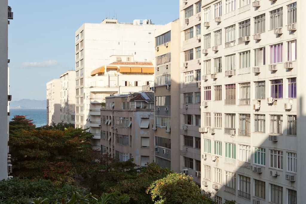 Parcial sea view to Copacabana on your left side ,right  2 blocks from the hotel fasano ipanema ,you are just between  Copacabana and ipanema