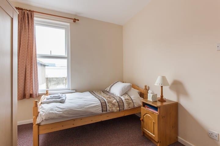 Single room, Belfast City centre 2