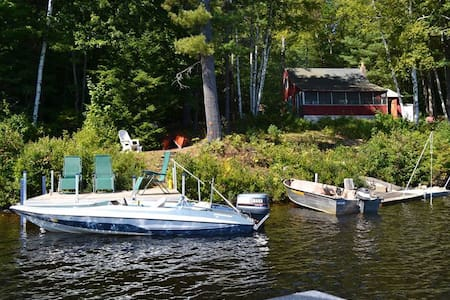 Secluded Lakefront Cabin with boat! - Stoddard