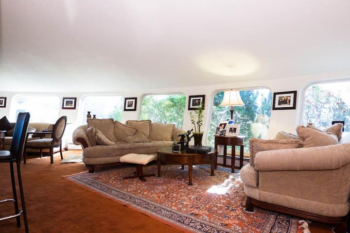 Unique Modern Home 360° Views - Leduc - Talo