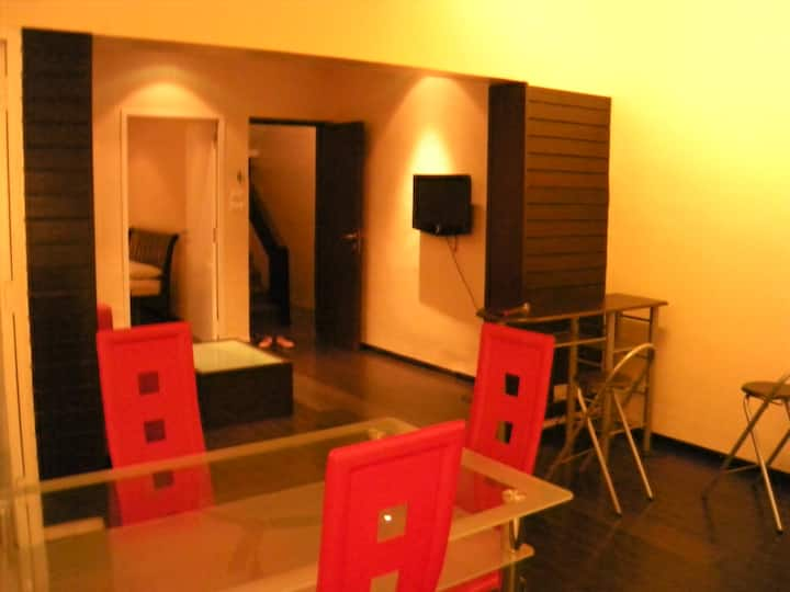 Chic apartment near US consulate/free airport drop