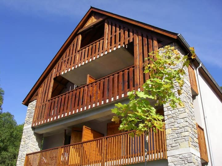 LOUDENVIELLE - Appartement cosy, vue sur montagne