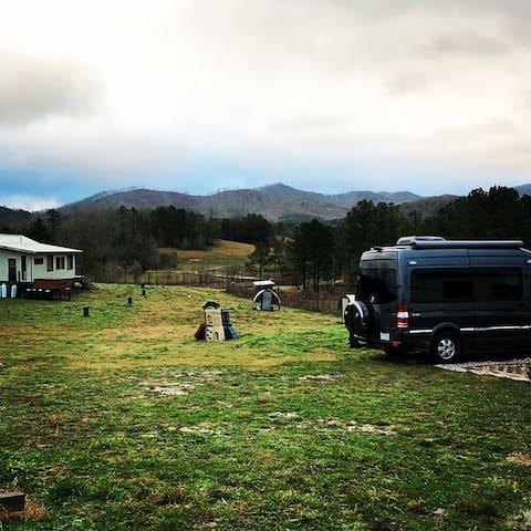 RV Site-30 AMP ELEC & WATER-Quiet Farm!