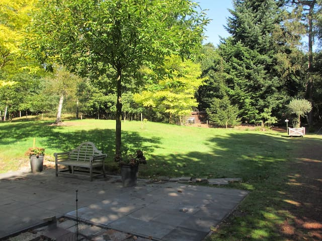 Fairy Tale Gardenhouse near Utrecht - De Bilt - Xalet