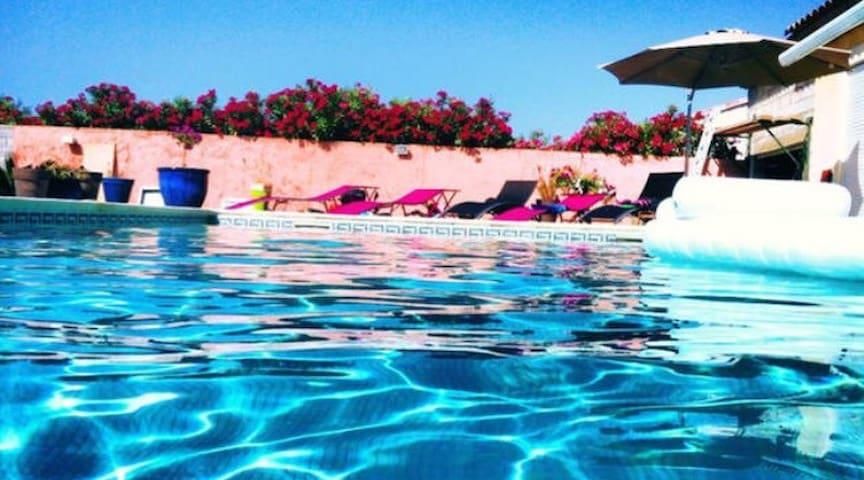 Jolie villa avec piscine - Villetelle - Villa