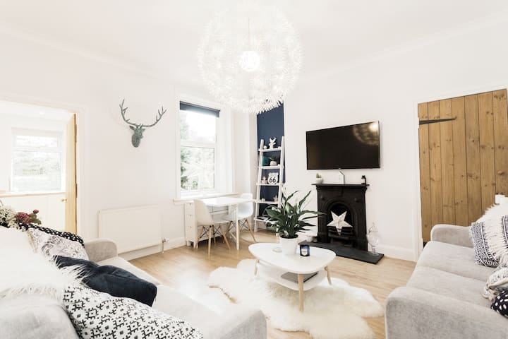 Stylish Modern Central Scandi Flat/Apartment