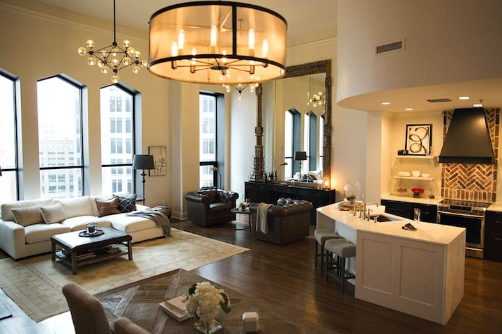 Luxury loft, Designed for Royalty in Downtown
