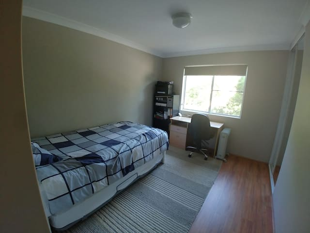 Dee Why Beach side - Private Room - Good Location