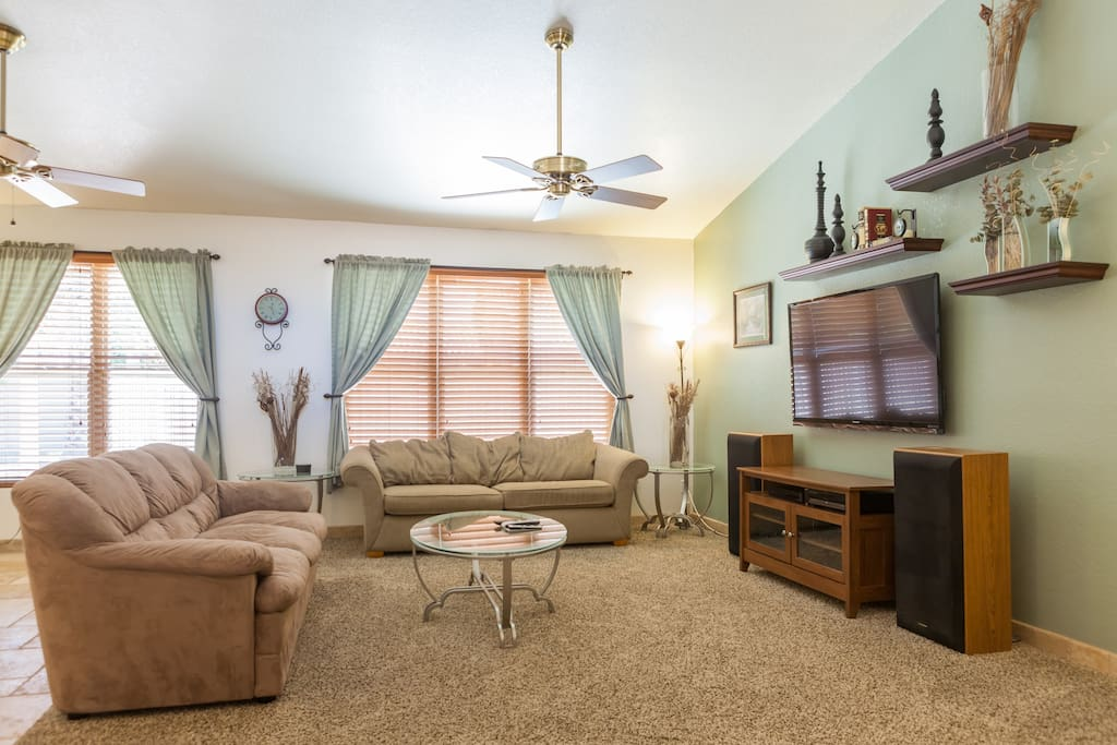 "Open and spacious living area w/ 55"" HDTV w/ satellite"