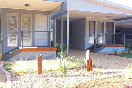 Seagrass Villas 2  at Normanville - Normanville - 住宿加早餐