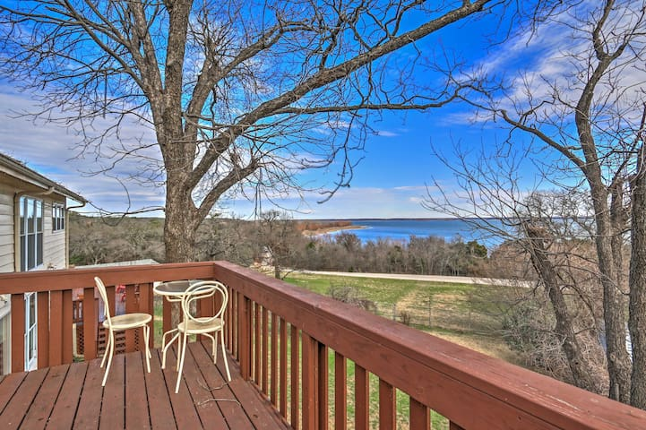 Escape to this spacious vacation rental house overlooking Lake Whitney!