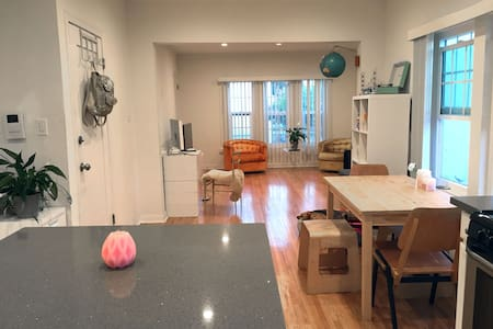 Modern 2 Bedroom Townhouse in Weho!