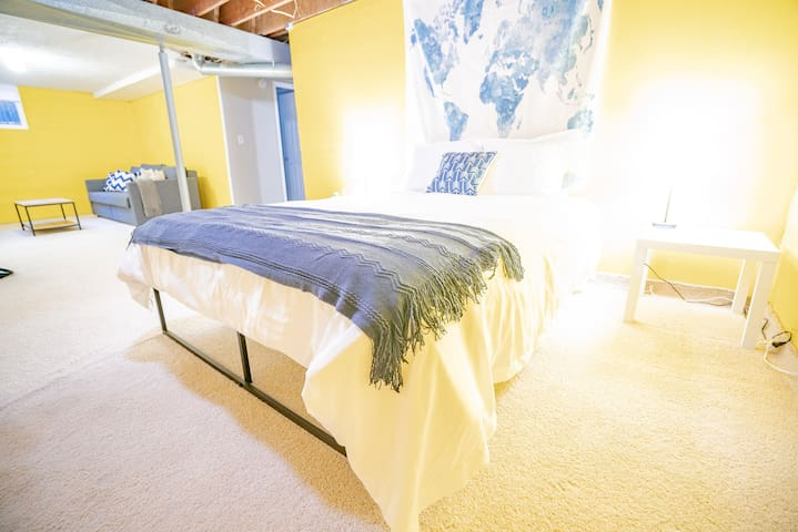 Comfy Renovated Suite near Ruby Hill/Athmar