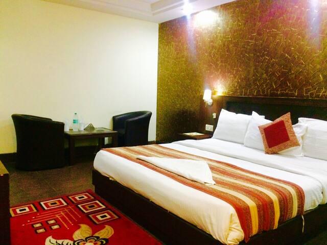 Hotel Daya Continental - Nueva Delhi - Bed & Breakfast